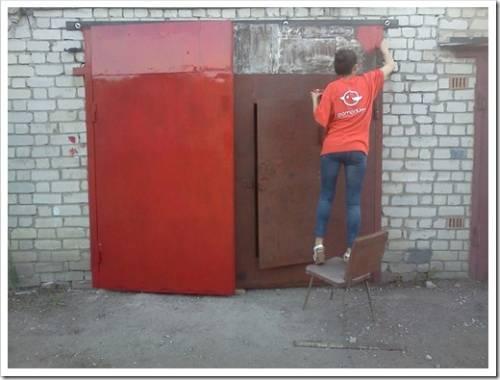 Как поднять гаражные ворота?