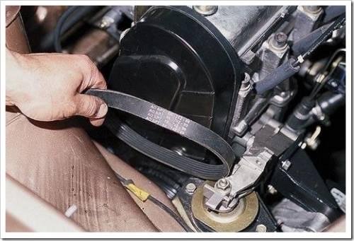 Как натянуть ремень генератора на ВАЗ 2110?