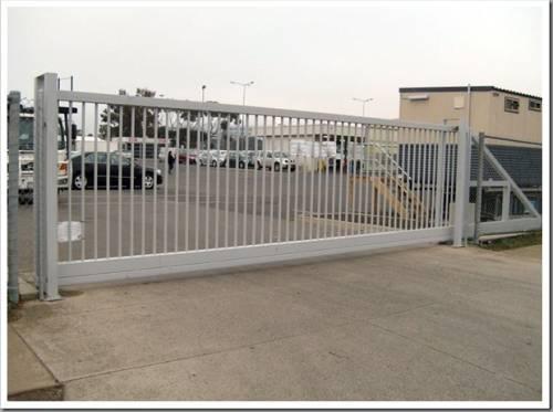 Какие есть виды промышленных ворот