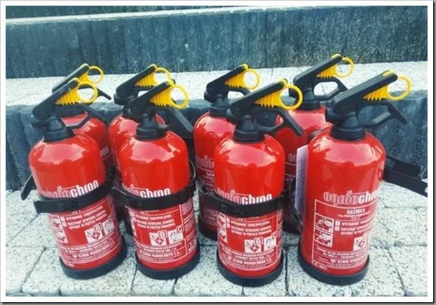 Как выбрать автомобильный огнетушитель