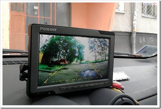 5 причин установить монитор в автомобиль