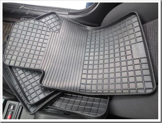 Виды резиновых ковриков в салон и багажник авто и как выбрать